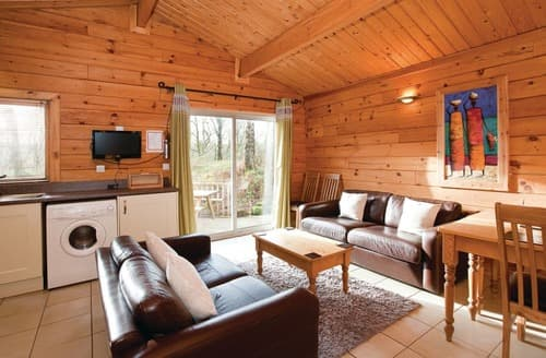 Last Minute Cottages - Squirrel Log Cabin 4