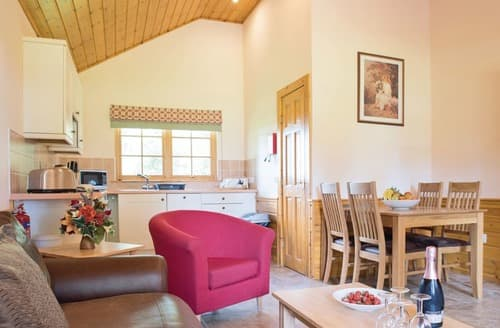 Last Minute Cottages - Adorable Kincaple Lodge S106293
