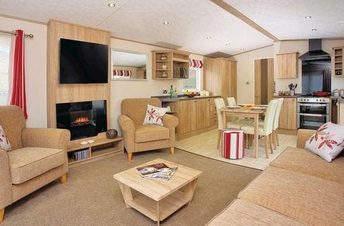 Last Minute Cottages - Beautiful Newquay Lodge S112698