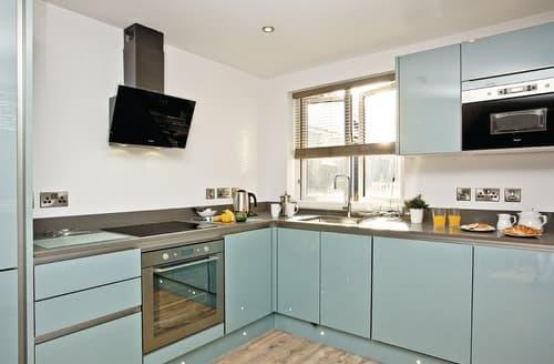 Last Minute Cottages - Deluxe Apartment 2