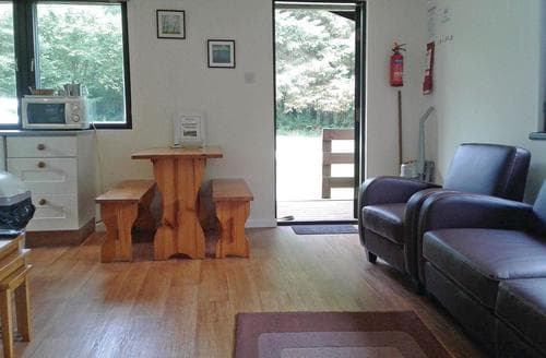 Last Minute Cottages - Redwood Lodge