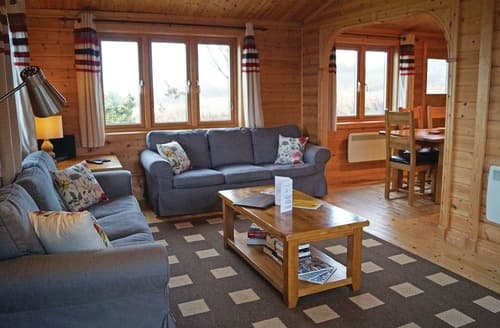 Last Minute Cottages - Captivating Carnmenellis Lodge S106267