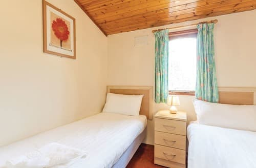 Last Minute Cottages - Wonderful Warmwell Lodge S111154