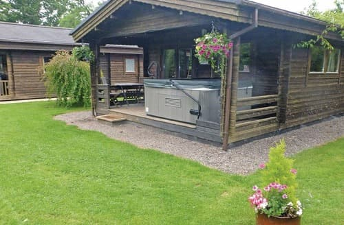 Last Minute Cottages - Otter Mill Lodge