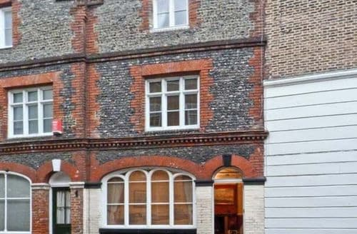 Last Minute Cottages - Beautiful Margate Street S3644