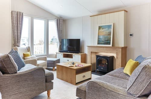 Last Minute Cottages - Captivating Hunstanton Lodge S108045