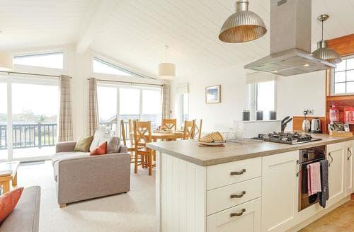 Last Minute Cottages - Hardy Premier