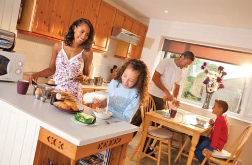 Last Minute Cottages - Inviting Newquay Lodge S110275