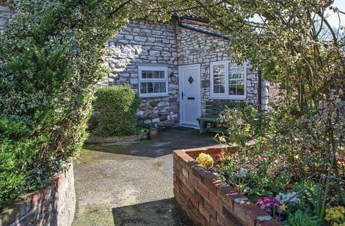 Last Minute Cottages - Exquisite Hunmanby Lodge S110314
