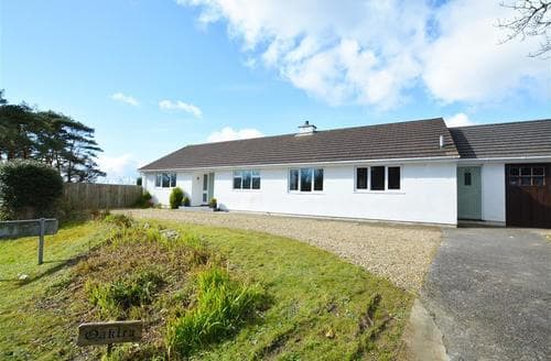 Last Minute Cottages - Attractive Reynalton Cottage S45386
