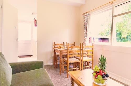 Last Minute Cottages - Tasteful Milford On Sea Lodge S112614
