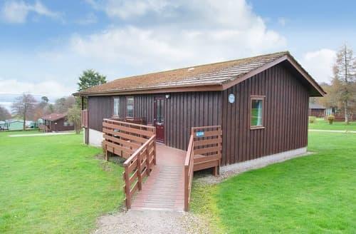 Last Minute Cottages - Beech Comfort Plus Lodge 6