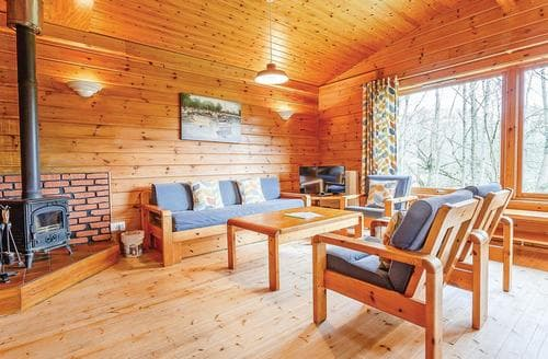 Last Minute Cottages - Otter Falls Lodge