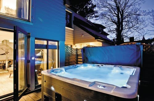 Last Minute Cottages - Courtyard Lodge 3 Spa