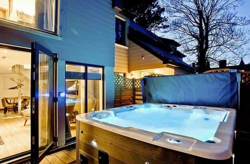 Last Minute Cottages - Woodland Lodge 2 Spa