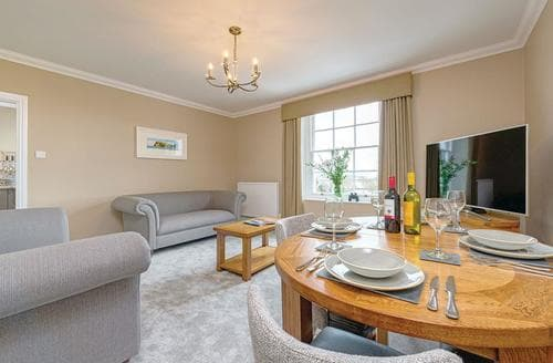 Last Minute Cottages - River Exe View (First Floor)