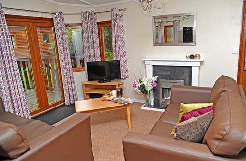 Last Minute Cottages - Stunning Forest Of Dean Lodge S111708