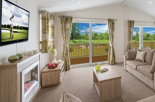 Last Minute Cottages - Cosy Mersea Island Lodge S106906