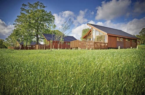 Last Minute Cottages - Forest of Dean Silver Birch 2 Meadow Cabin (Pet)