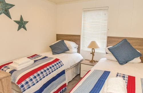 Last Minute Cottages - Ocean Breeze Lodge