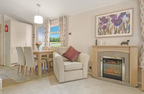 Last Minute Cottages - Lovely Levens Lodge S109307
