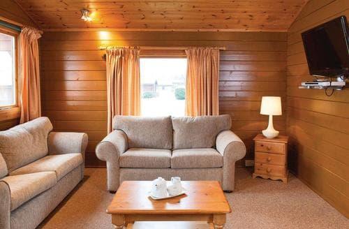 Last Minute Cottages - Penrose Lodge