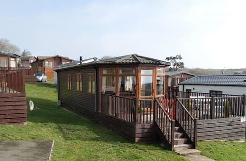 Last Minute Cottages - Inviting Hastings  Lodge S140750