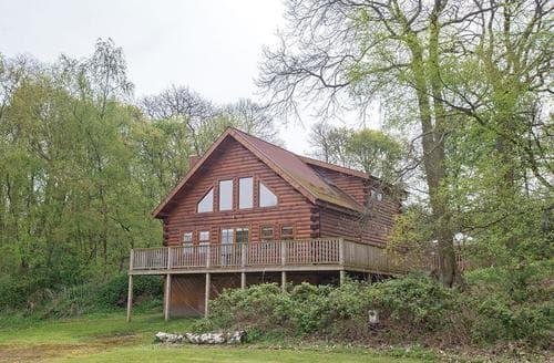 Last Minute Cottages - Captivating Edwinstowe Lodge S112391