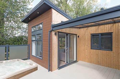 Last Minute Cottages - Lexham Premier