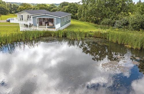 Last Minute Cottages - Delightful St Florence Lodge S108041