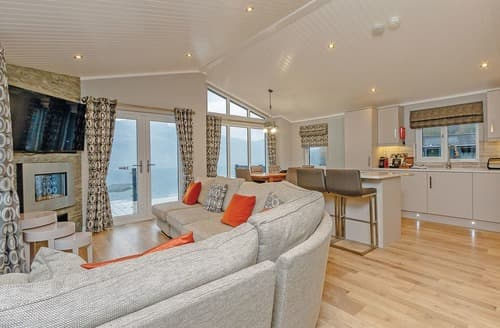 Last Minute Cottages - Waterside Lomond Royal Premier 2