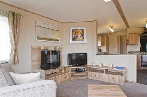 Last Minute Cottages - Country Holiday Home Four Platinum