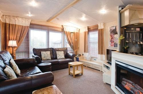 Last Minute Cottages - Country Holiday Home Six VIP