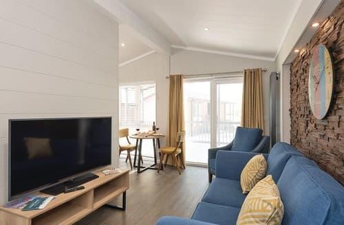Last Minute Cottages - Charming Pentney Lodge S123869