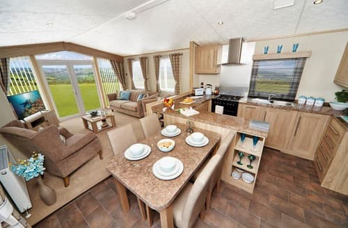 Last Minute Cottages - Cosy Cresswell Beach Lodge S162553