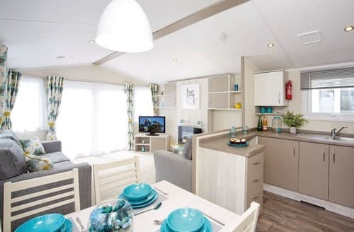 Last Minute Cottages - Cosy Cresswell Beach Lodge S162554