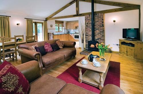 Last Minute Cottages - Stunning Flaxton Lodge S111796