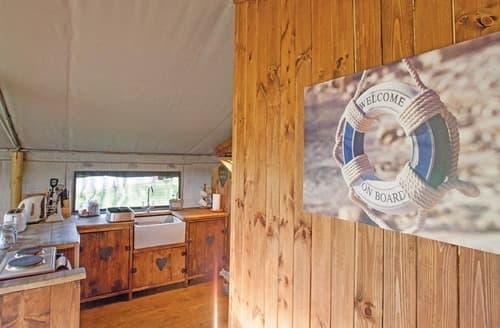 Last Minute Cottages - Luxury Safari Tent