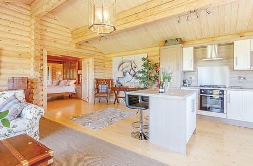 Last Minute Cottages - Luxury Constable Burton Lodge S108379