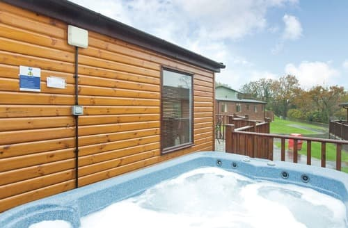 Last Minute Cottages - Captivating Chudleigh Lodge S110970