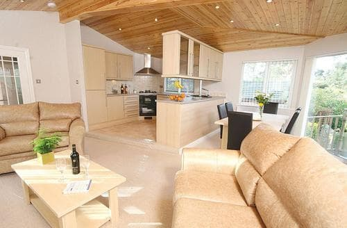 Last Minute Cottages - Pound Farm Lodge 2