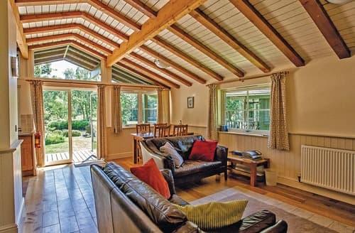 Last Minute Cottages - Great Wood Lodge
