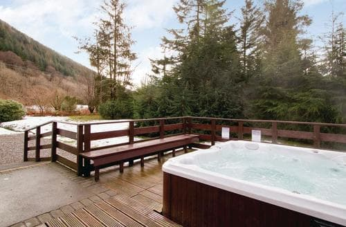 Last Minute Cottages - Delightful Kinlochlochy Lodge S109642