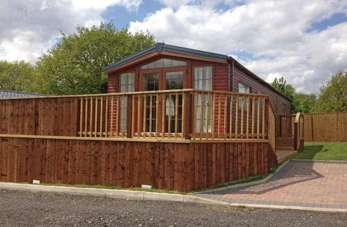 Last Minute Cottages - Attractive Weston On Trent Lodge S112355