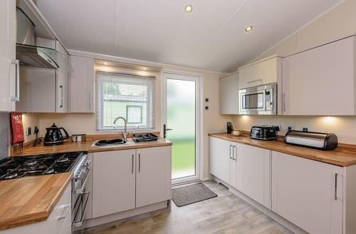 Last Minute Cottages - Luxury Levens Lodge S109316