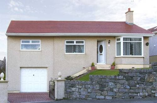 Last Minute Cottages - Inviting Holyhead Rental S5071