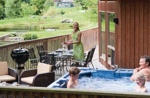 Last Minute Cottages - Charming Llangollen Lodge S110428