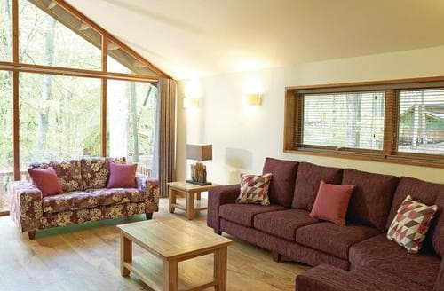 Last Minute Cottages - Forest of Dean Silver Birch 2 Meadow Cabin