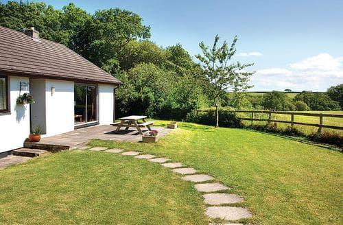 Last Minute Cottages - Woodlands Cottage