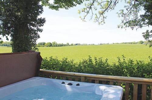 Last Minute Cottages - Luxury Mouswald Lodge S106630
